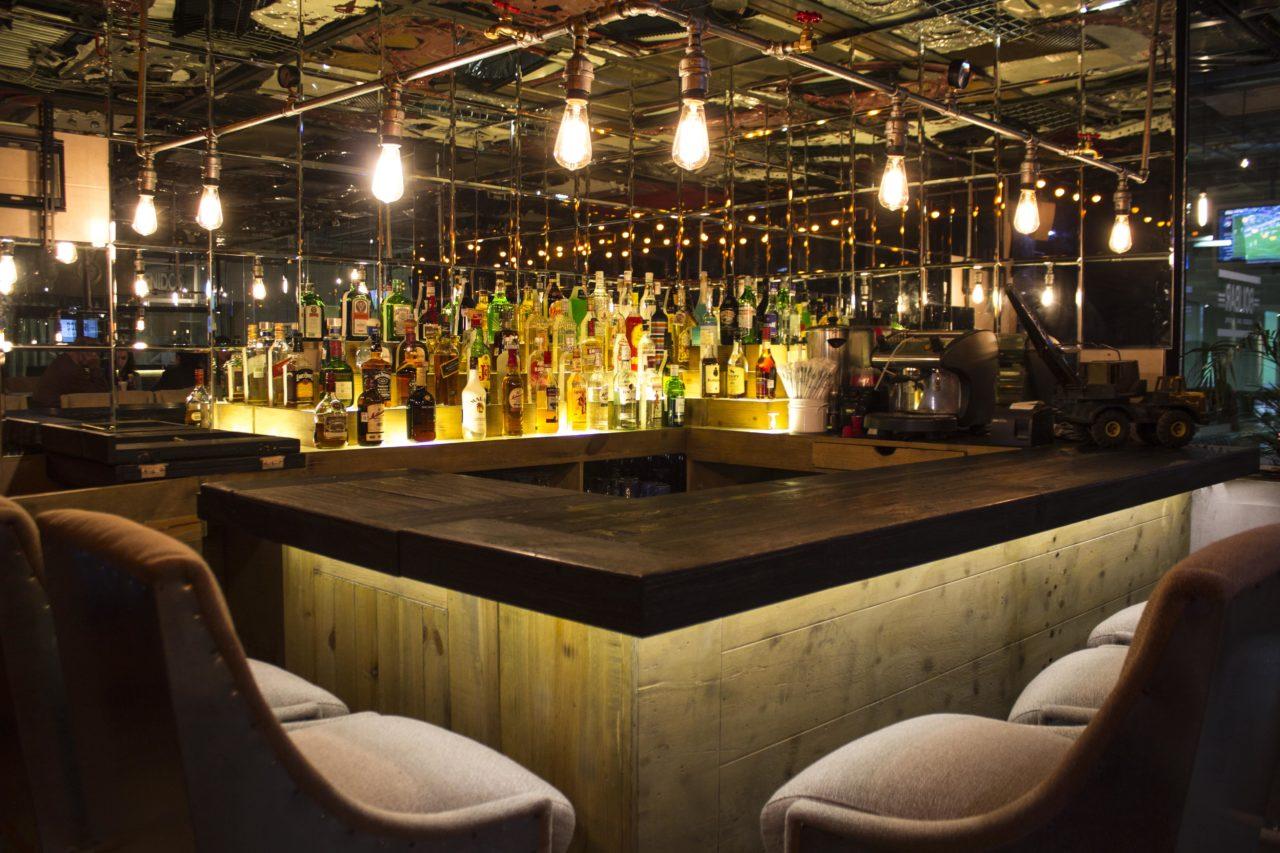 Bolibar-13-Boliche-Bar-Zona_Esmeralda-Mexico-Casa_Lombard-Lombard-Imagen-Branding-Diseño-Fotografia-Videografia-Video-Gingle-Cancion-Agencia-2020-min