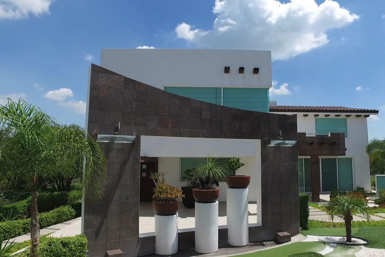 Foto-5-Vergel_De_La_Pena-Verge-Pena_De_Bernal-Branding-Fotos-Diseño-Web-Agencia-Mexico-2020-Bienes_Raices-Casas-Logo