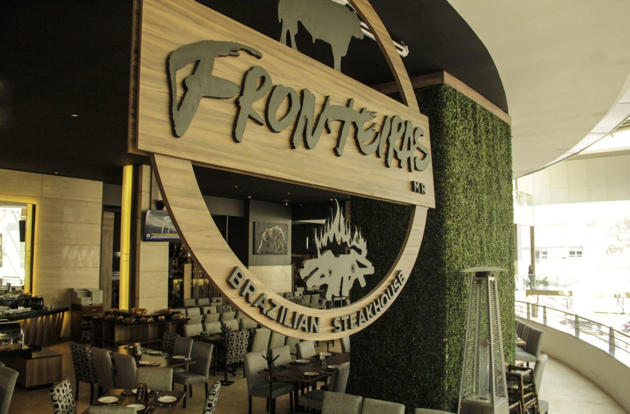 10-Fronteiras-Restaurante-Comida-Bar-Mexico-Cortes-Carne-Tragos-Cockteles-Diversion-Cocina-Casa_Lombard-Agencia-Diseño_Grafico-Agency-Granding-2020