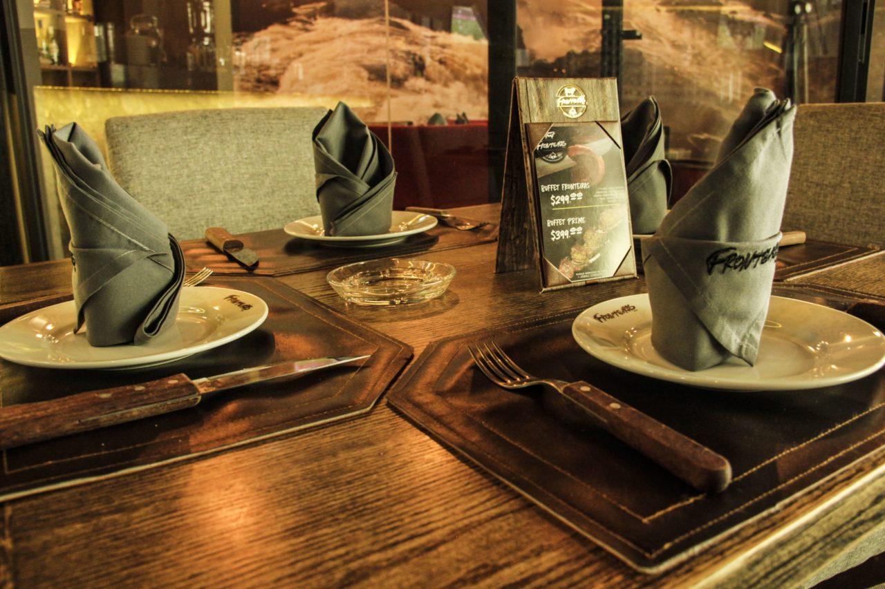 12-Fronteiras-Restaurante-Comida-Bar-Mexico-Cortes-Carne-Tragos-Cockteles-Diversion-Cocina-Casa_Lombard-Agencia-Diseño_Grafico-Agency-Granding-2020