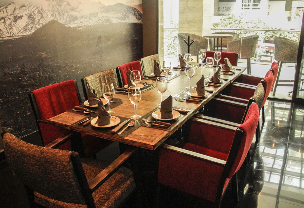 8-Fronteiras-Restaurante-Comida-Bar-Mexico-Cortes-Carne-Tragos-Cockteles-Diversion-Cocina-Casa_Lombard-Agencia-Diseño_Grafico-Agency-Granding-2020