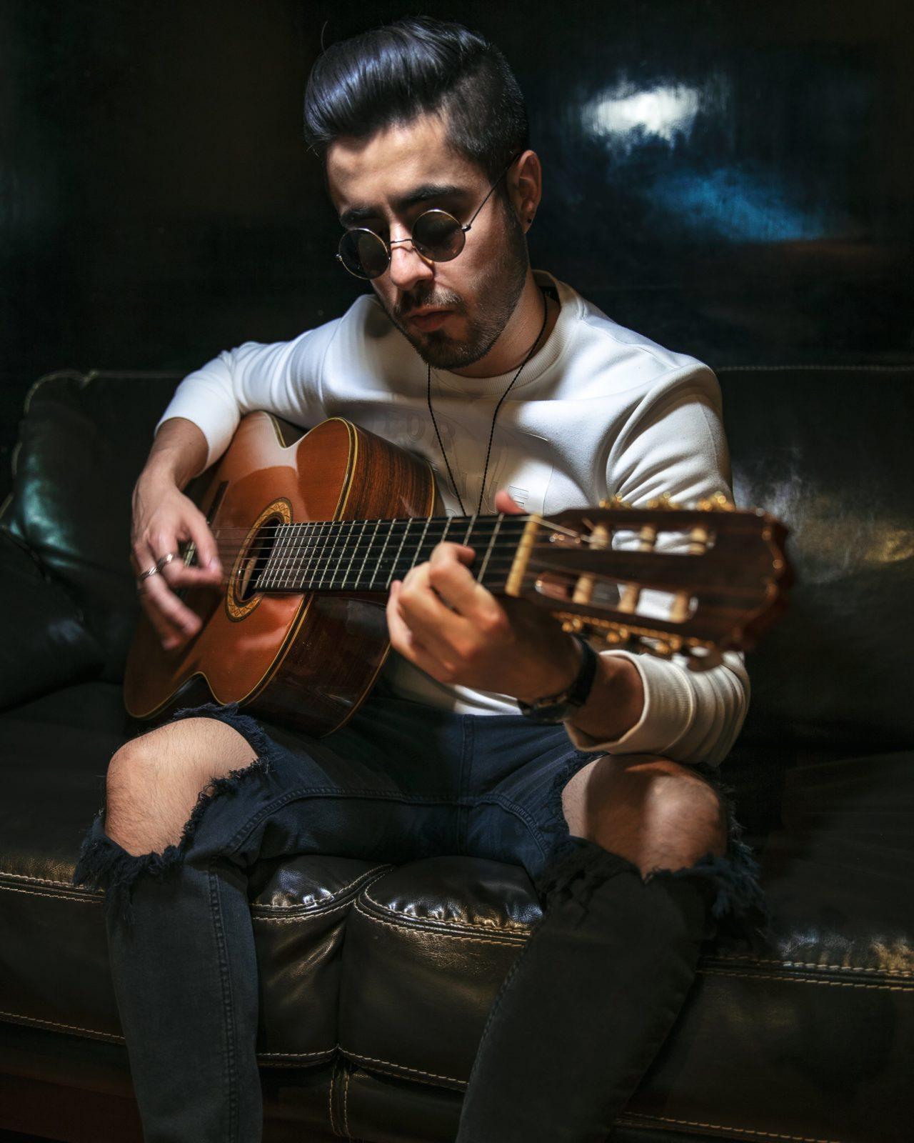 Foto-7-Sebastian-Castro-Musica-Musica-Sebastian_Castro-Pop-Urbana-Mexico-2020-Influencer-Artista-Cantante-Singer-min